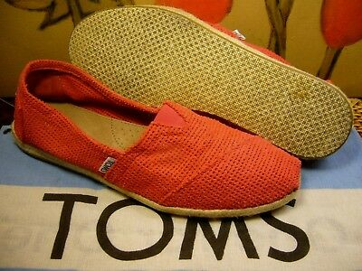 d3b1660cd44 Nice~ TOMS Freetown Classic Fuchsia Red Perforated Slip-on Shoe Women's 9.5  -10