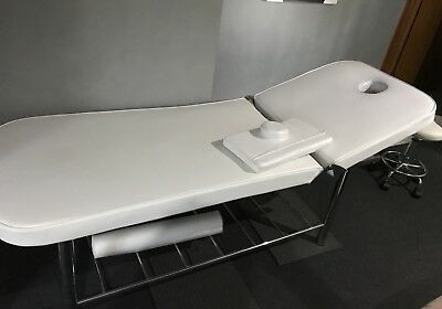Massage Table / beautician bed