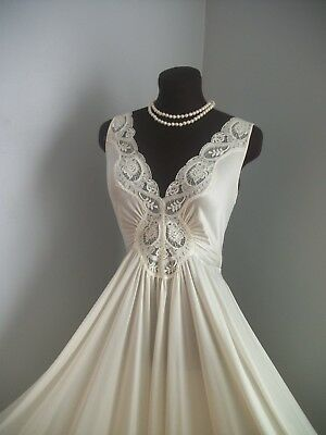Vintage Olga Nightgown Dress 92280 Bridal White Lace Romantic 156'' Hem Sweep
