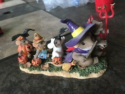 Charming Tails Halloween WE'RE A KOOKY SPOOKY FAMILY Mouse Collectibles