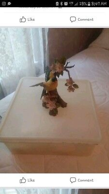 Masterpiece Porcelian by Homco: Goldfinch 1994