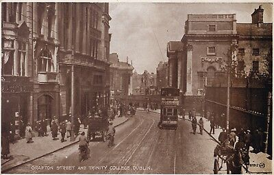 Dublin - Grafton St & Trinity College With Tram By Valentine's
