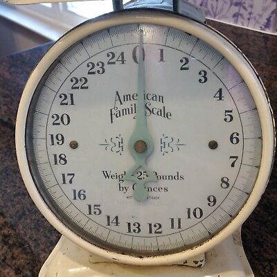 Vintage American Family Scale, 25 LB Kitchen Scale Original ivory Paint