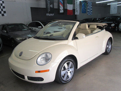 Volkswagen New Beetle Convertible 2dr 2.5L Automatic IMMACULTE $7800 includes shipping 90+ pictures FLORIDA NONSMOKER GARAGEKEPT CAR