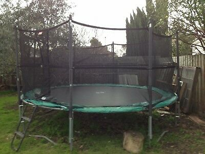 trampoline.Berg 3.6m mat side netting
