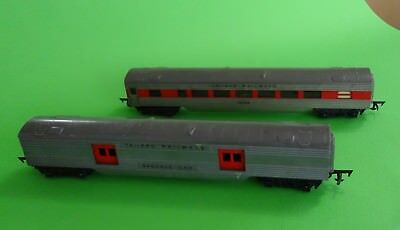 TRIANG R130 Baggage Car & R131/132 Passenger Car. Both in Very Good Condition.