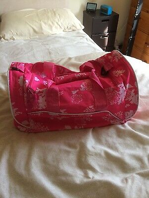 Ladies New Pink Hold-All Gym Bag.