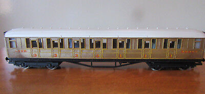 Vintage Hornby OO LNER Carriage 1st & 3rd Class (as new)