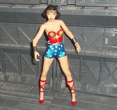 Dc Direct Collectibles Classic Silver Age Wonder Woman Figure Of Origins 2-Pack