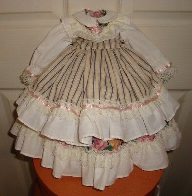 VINTAGE ( PRETTY) DOLL DRESS With Under Skirt.