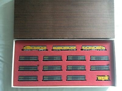 Con-Cor Union Pacific EXPRESS SERVICE SET Diesellok Spur N USA Speed Freight