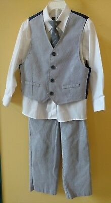Kenneth Cole reaction boys four piece outfit size 6