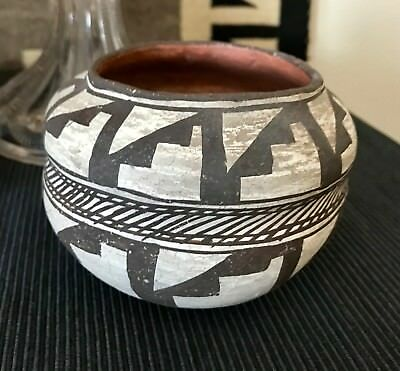 Early Rare Vintage Double Lobe Acoma Hand Coiled Olla /thin Walled / Pit Fired