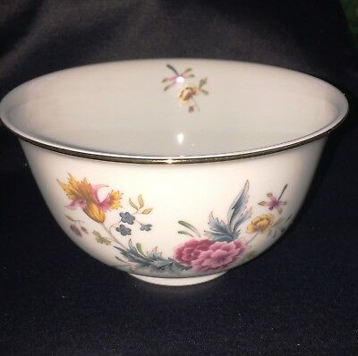 AMERICAN AVON HEIRLOOM 1981 INDEPENDENCE DAY - BOWL with Stand