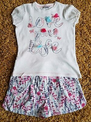 Beautiful girls top and shorts age 7-8