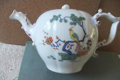 An EXTREMELY RARE early Meissen Kakiemon teapot and cover. C.1735/40.