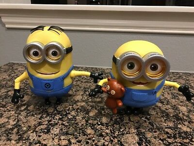 Thinkway Toys Talking Jointed Arms Despicable Me Minion Dave & Bob