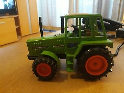 GAMA Traktor 1:32 FENDT Favorit 620 LS