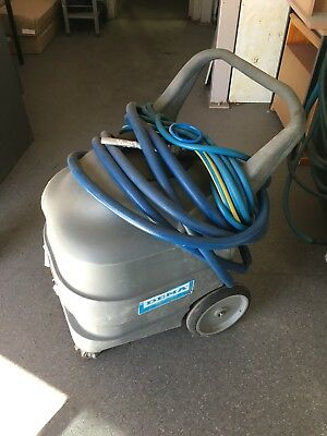 Dema Mobile compressed air foamer for cleaning