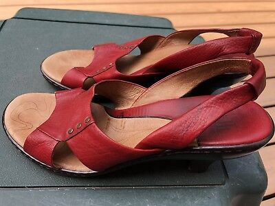 8f2174739cb SOFFT WOMEN'S RED Patent Leather Strappy Open Toe Wedge Heel Sandals Shoes  8 M