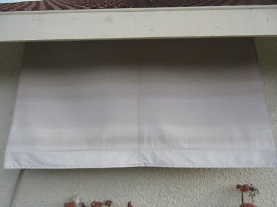 AWNING BLIND - OFF WHITE CANVAS, TOP METAL CANOPY, 2 METALS GUIDES, 1980W  ,1te