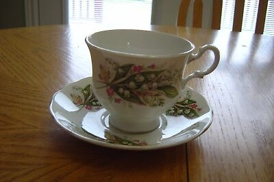 "Royal Vale Footed Bone China Cup & Saucer ""lilies Of The Valley"" Pattern #8586"