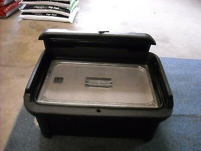 Carlisle Food pan carrier with food  pan and lid