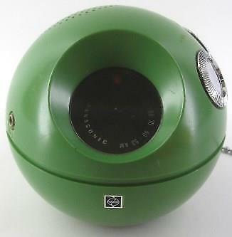 vintage GREEN Panasonic R-70 PANAPET ball AM transistor RADIO