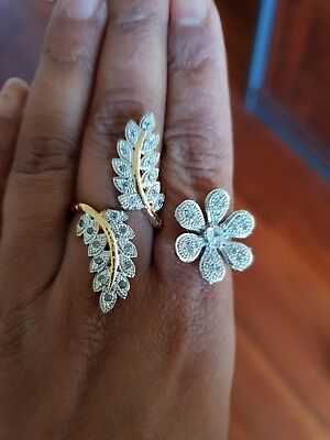Estate Jewellery - Extremely gorgeous Two finger flower American diamond ring