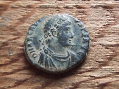 Roman.  Arcadius  395-408 Ad.  Bronze. Ae2     Very Nice Condition