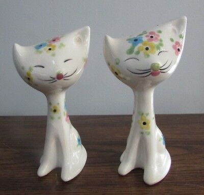 Vintage Pair Of Salt And Pepper Shakers - White Cats With Flowers - Marked Japan