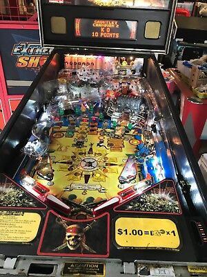 STERN Pirates of the Caribbean Pinball in Excellent condition !!