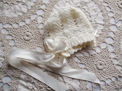 VINTAGE WHITE PURE WOOL BABY BONNET – HAND KNITTED for CHRISTENING / REBORN DOLL