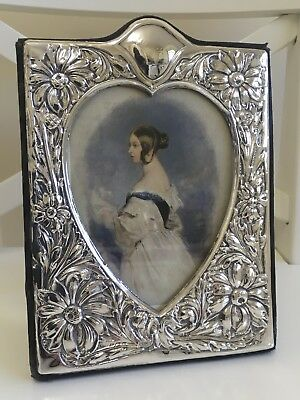 Stunning Solid Silver Heart Shaped Photo Frame by Keyfords London 1987
