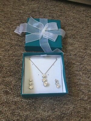 """Hallmarked 925 Silver Cz Trilogy 18"""" Necklace And Matching Earrings Set"""