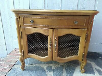 Vintage French Provincial Thomasville Furniture side table/NIGHTSTAND Wire Front