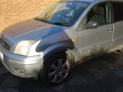 Ford Fusion + TDCI 2005. SPARES OR REPAIR ONLY PLEASE NOTE.