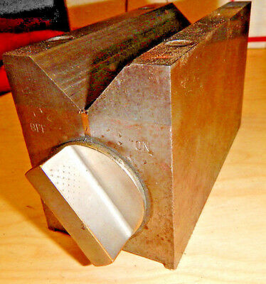Older Brown And Sharpe No. 750 D Magnetic V Block Chuck Machinist Tooling