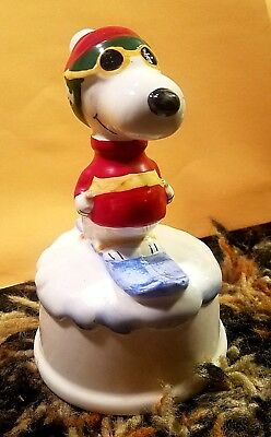 vintage 1980 PEANUTS SNOOPY SKIING FIGURINE in SUNGLASSES ceramic Ships Free