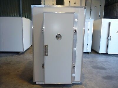 Premium Quality James Coolrooms Brand New 1m x1.4m x 2.1m high Inc Kirby Drop in