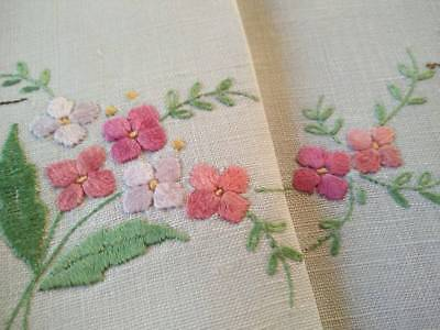 Gorgeous Delicate Pink Flowers    ~ Vintage Hand Embroidered Centrepiece