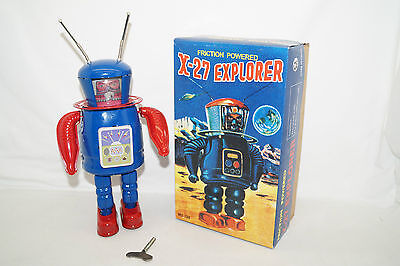 X-27 Explorer Friction Powered Astronaut Space TOY Roboter China Blechspielzeug