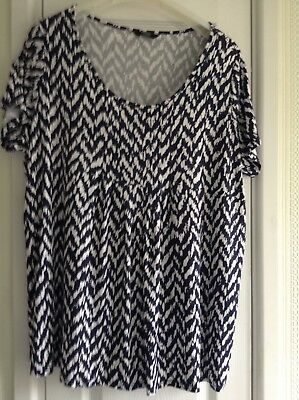 Ladies top size 22 Navy and white