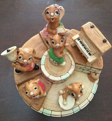 PENDELFIN Rabbit Band Stand 5 Figures Piano Rosa Thumper Rolly Clanger Bongo
