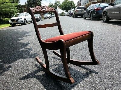 VINTAGE 1950's MAHOGANY CARVED WOOD ROSE ROCKING CHAIR DUNCAN PHYFE / TELL STYLE