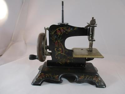 ANTIQUE GERMAN CHILDS Toy Sewing Machine Hand Crank Good Condition Cool German Sewing Machine