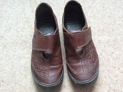 Ladies shoes,size 4,Softwaves active, colour dark brown.