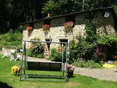 Beautiful holiday cottage & own private carp fishing lake in France