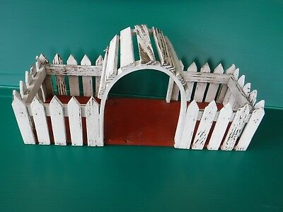 Vintage~White~Wood Picket Fence~Archway~Fairy Garden~Planter~Shabby Chic~Patina