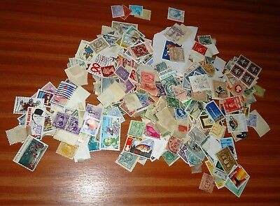 500 Antique / Vintage WORLDWIDE Postally Used UNSORTED / UNPICKED Stamps